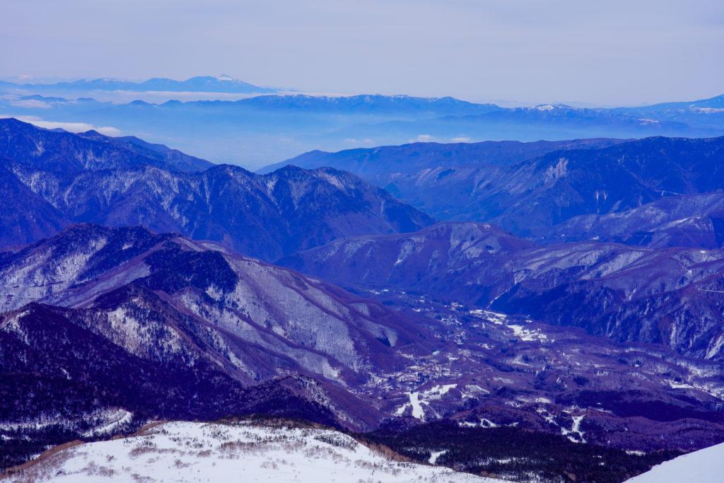 無雪期・乗鞍岳・乗鞍高原方面を望む