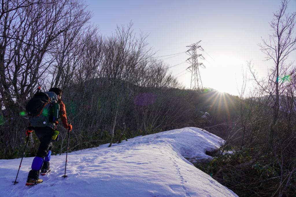 残雪期・東谷山・日白山・鉄塔を目指す