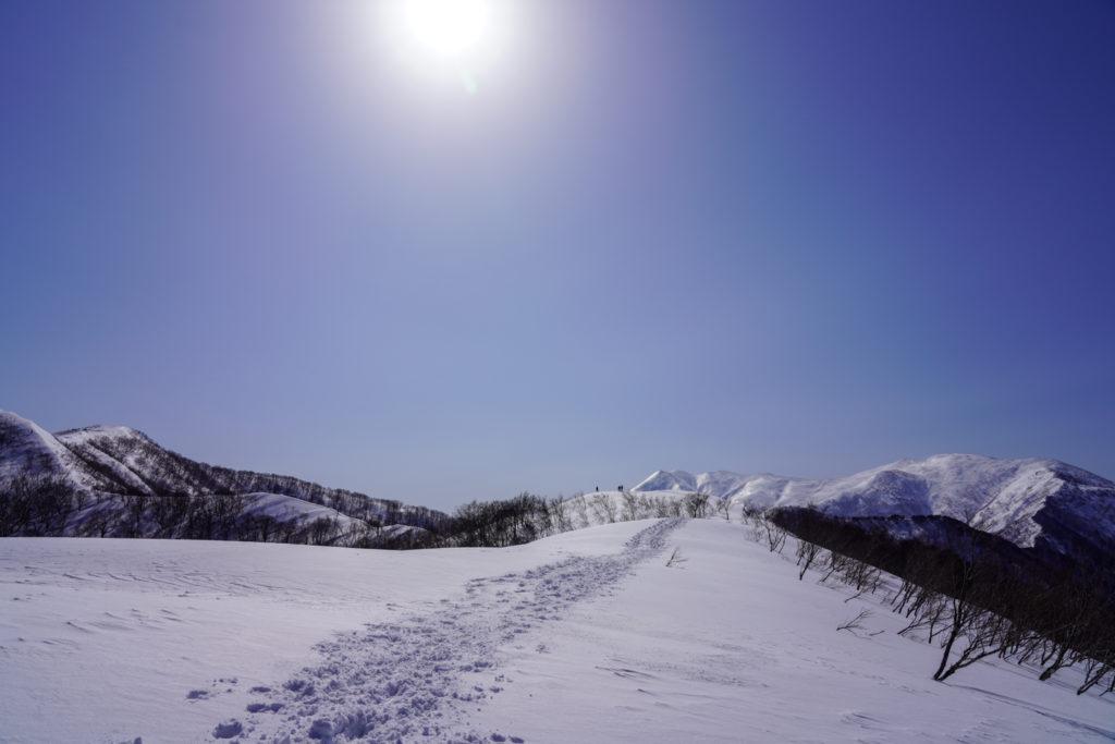 残雪期・東谷山・日白山・日白山山頂は近そうで遠い