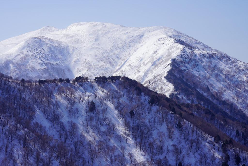 残雪期・東谷山・日白山・圧巻の平標山