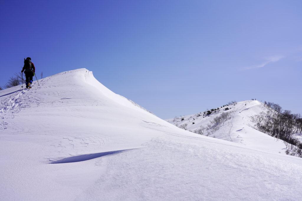 残雪期・東谷山・日白山・偽ピークから日白山山頂へと