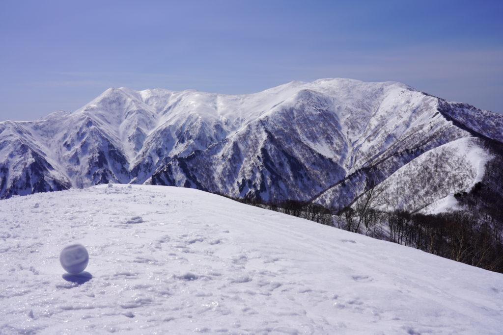 残雪期・東谷山・日白山・テカテカの仙ノ倉山・平標山