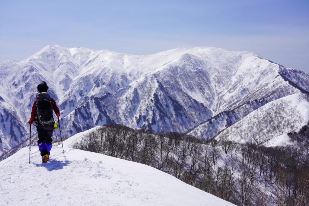 残雪期・東谷山・日白山・日白山下山を開始