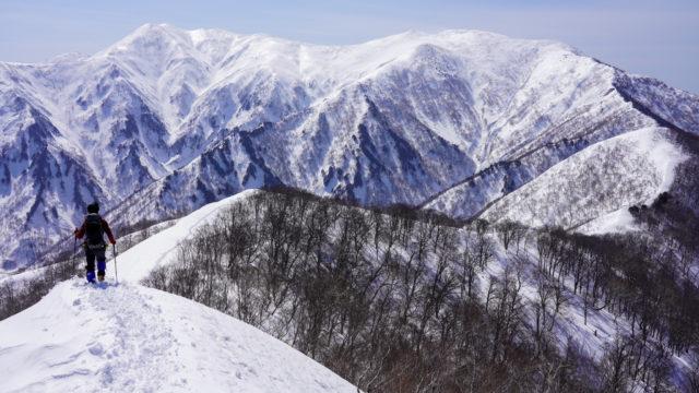 日白山からの仙ノ倉山・平標山