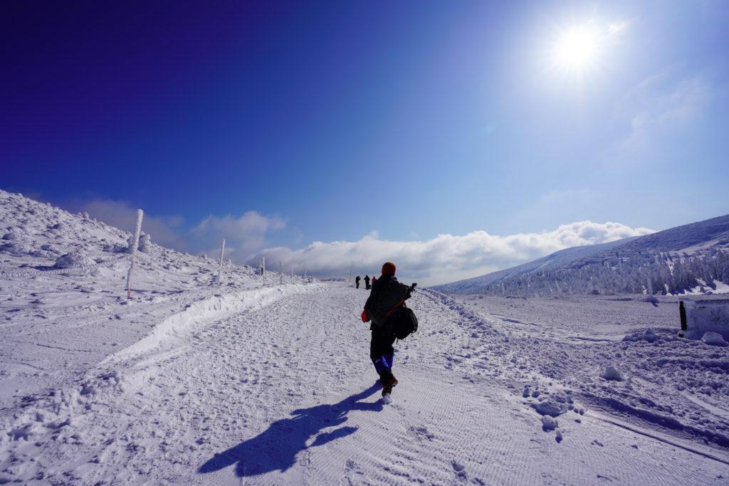 残雪期・蔵王山(熊野岳・刈田岳)・快晴の蔵王