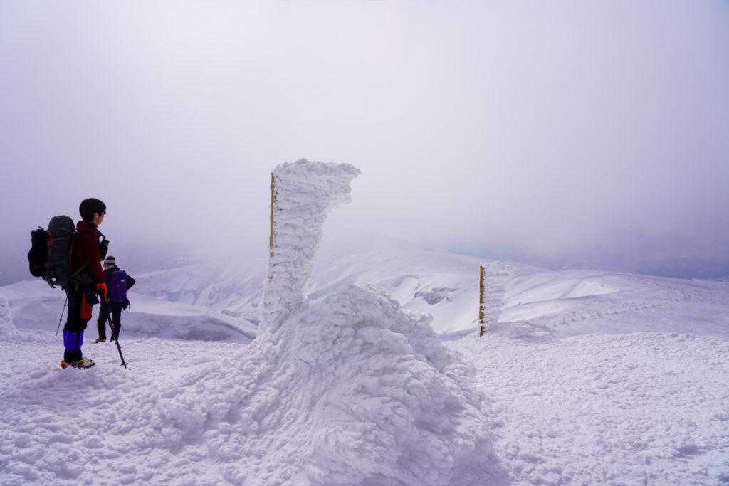 残雪期・蔵王山(熊野岳・刈田岳)・熊野岳避難小屋付近