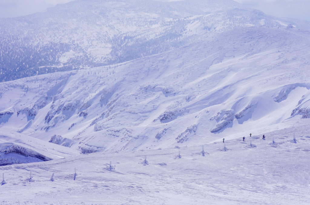 残雪期・蔵王山(熊野岳・刈田岳)・馬の背