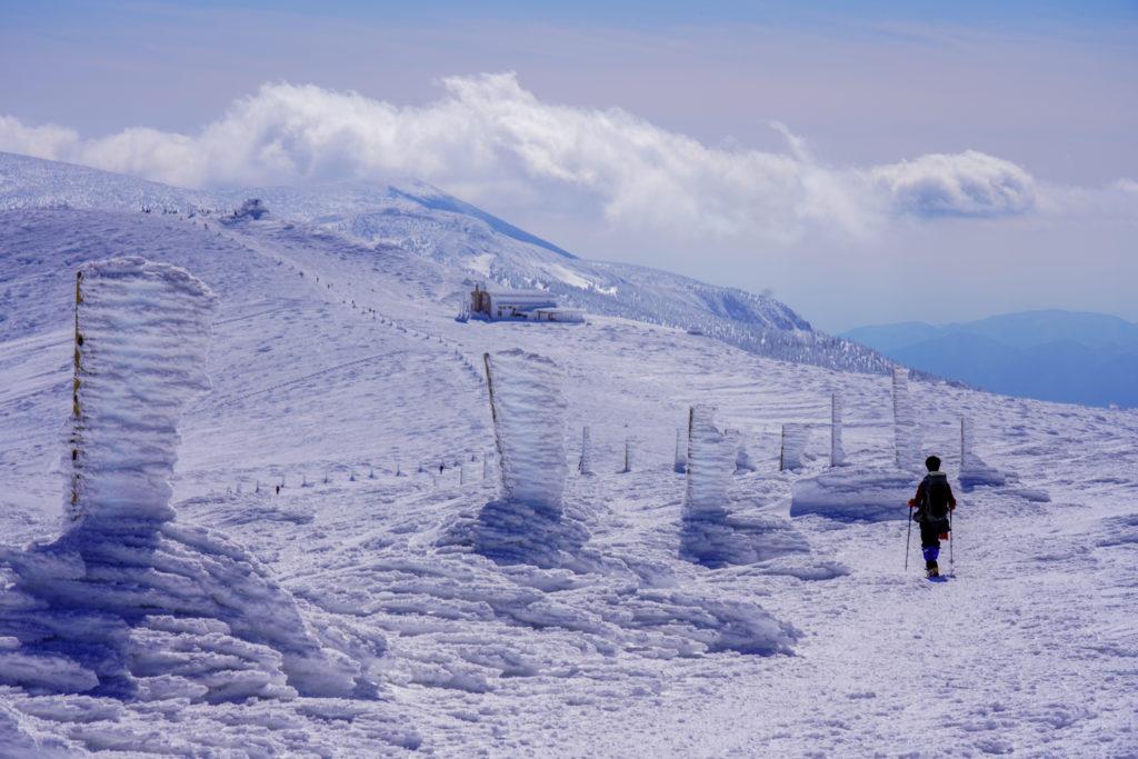 残雪期・蔵王山(熊野岳・刈田岳)・氷の柱に導かれるまま