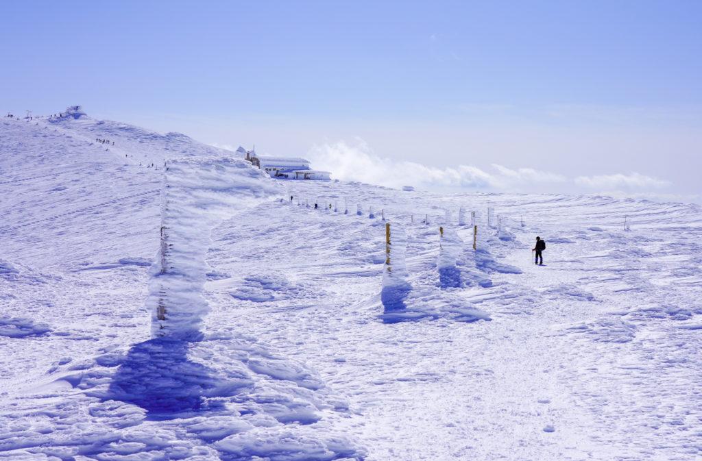 残雪期・蔵王山(熊野岳・刈田岳)・しびれを切らす相方