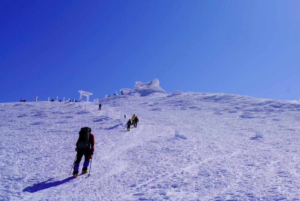 残雪期・蔵王山(熊野岳・刈田岳)・刈田岳ビクトリーロード