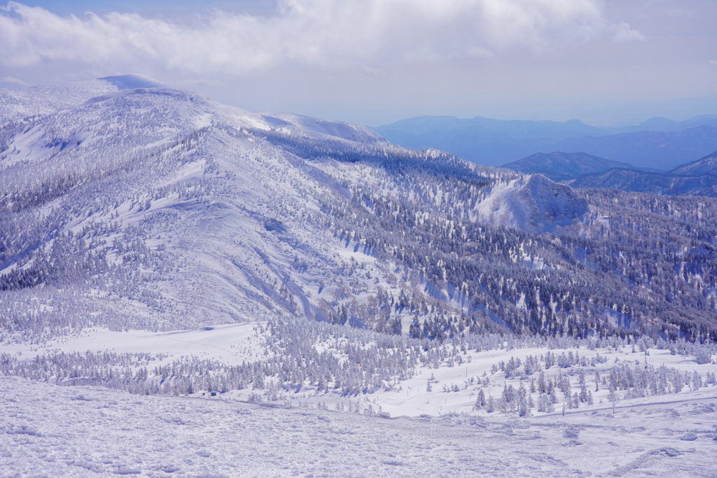 残雪期・蔵王山(熊野岳・刈田岳)・刈田岳からの展望