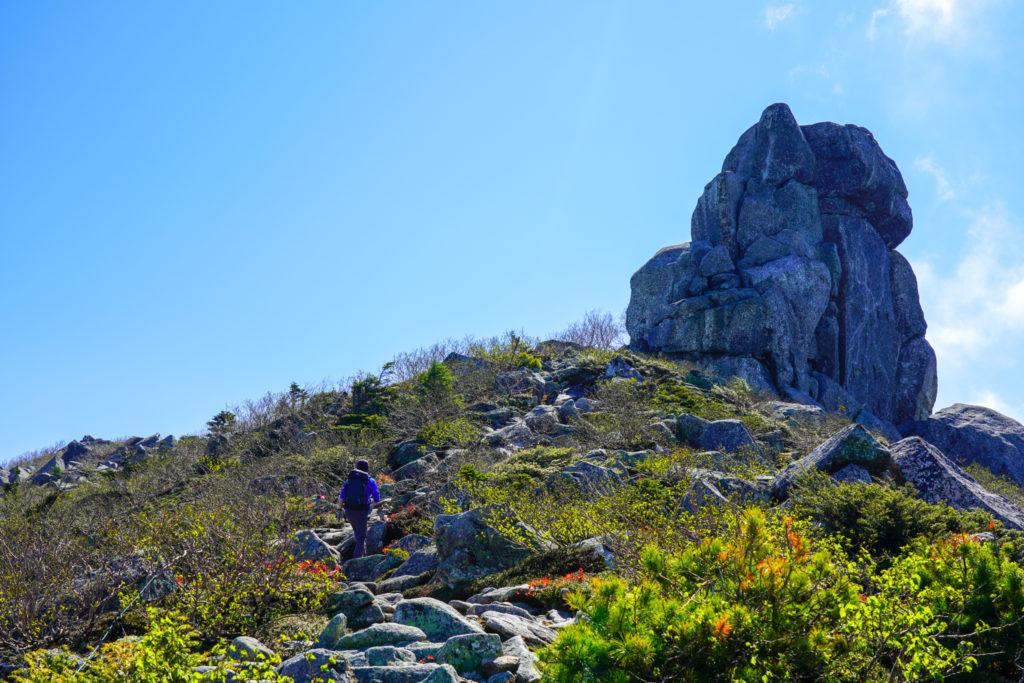 金峰山・五丈岩を目指して