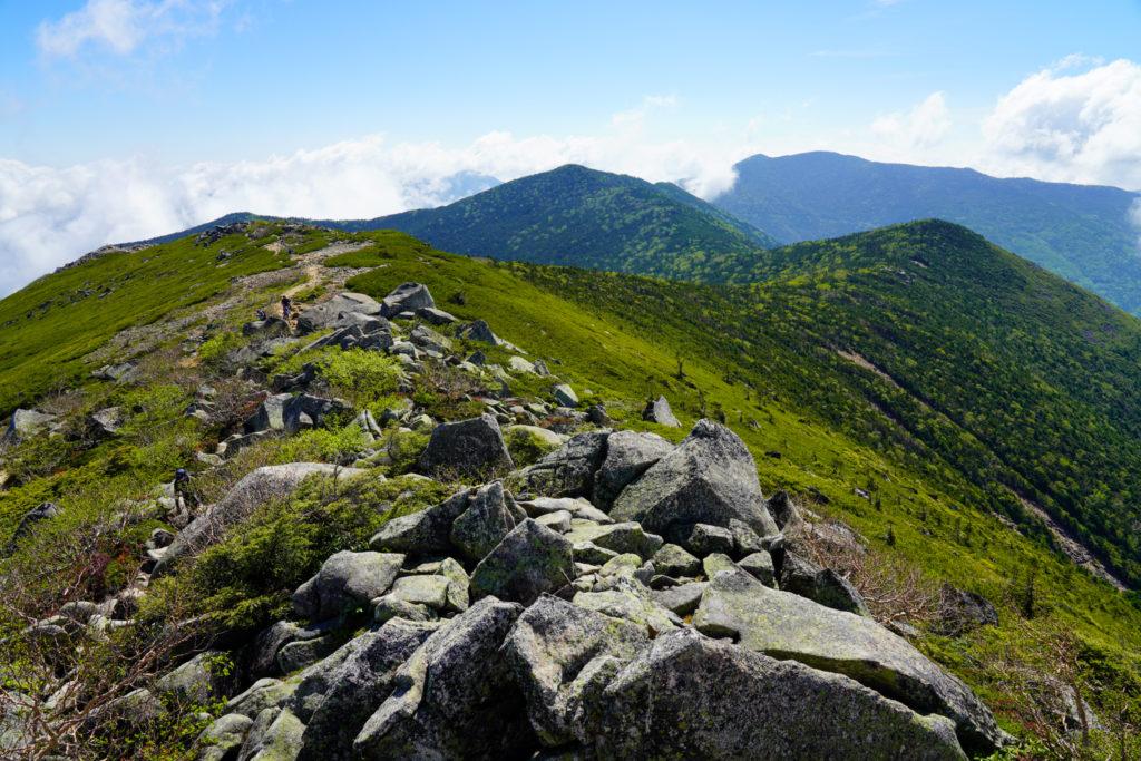 金峰山・大弛峠へと続く稜線