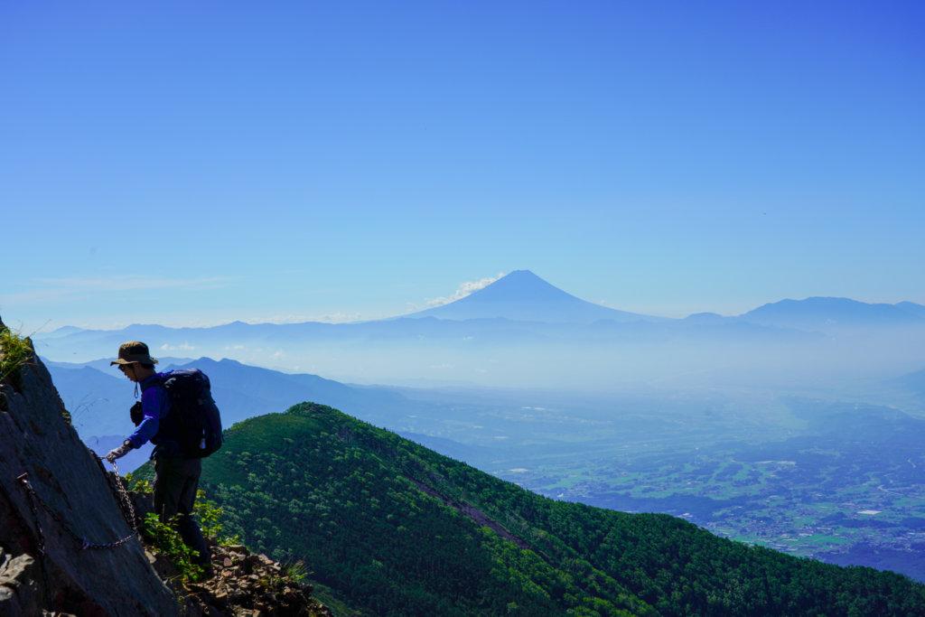 編笠山・権現岳・三ツ頭・クサリ場から見る富士の山