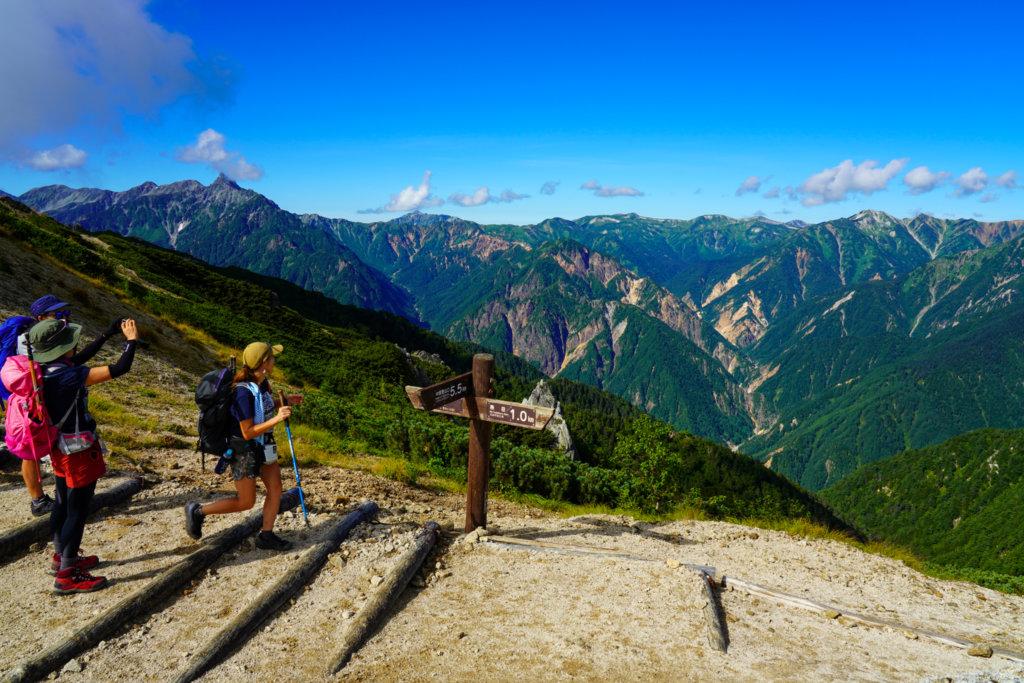 燕岳・燕岳から見た北アルプスの山々