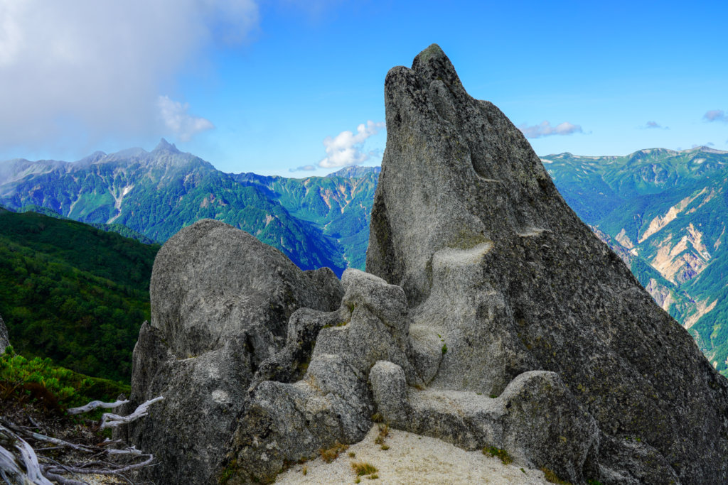 燕岳・イルカ岩