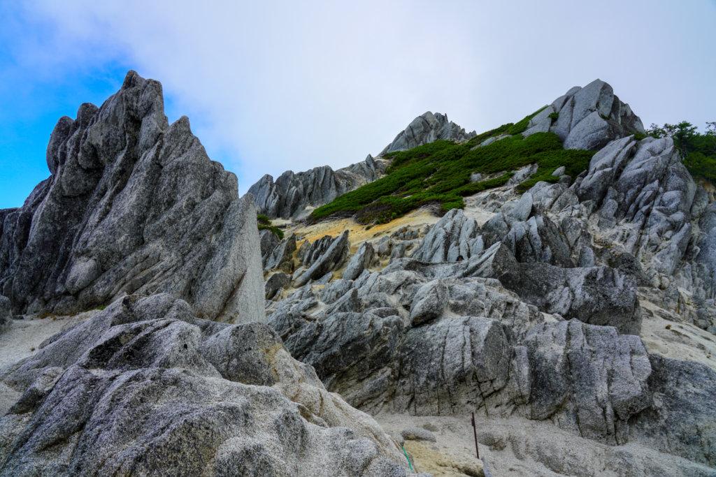 燕岳・花崗岩の奇岩、その2