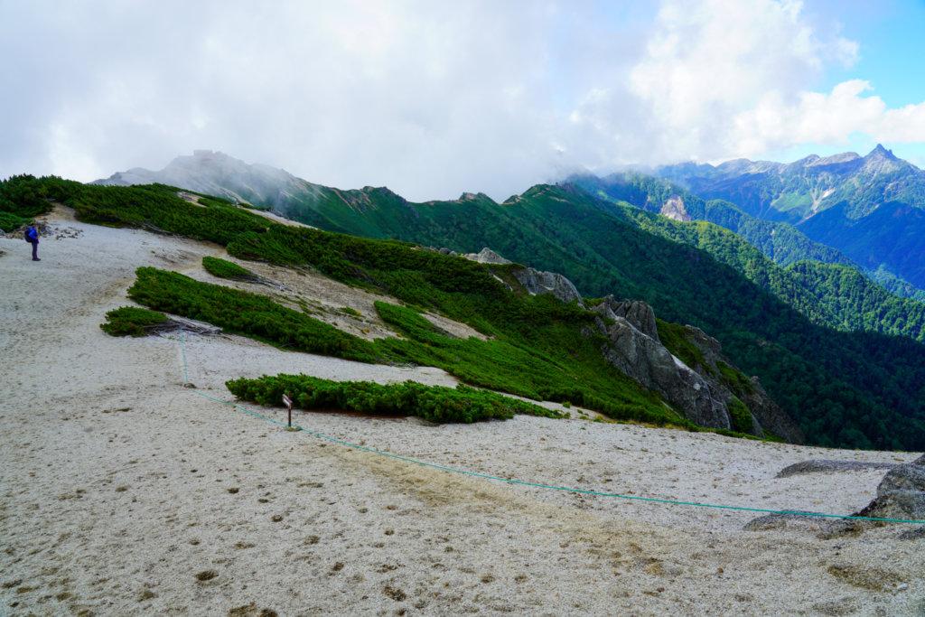 燕岳・表銀座、槍ヶ岳へと続く稜線